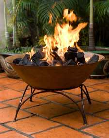 Cast-Iron-Bowl-with-flame