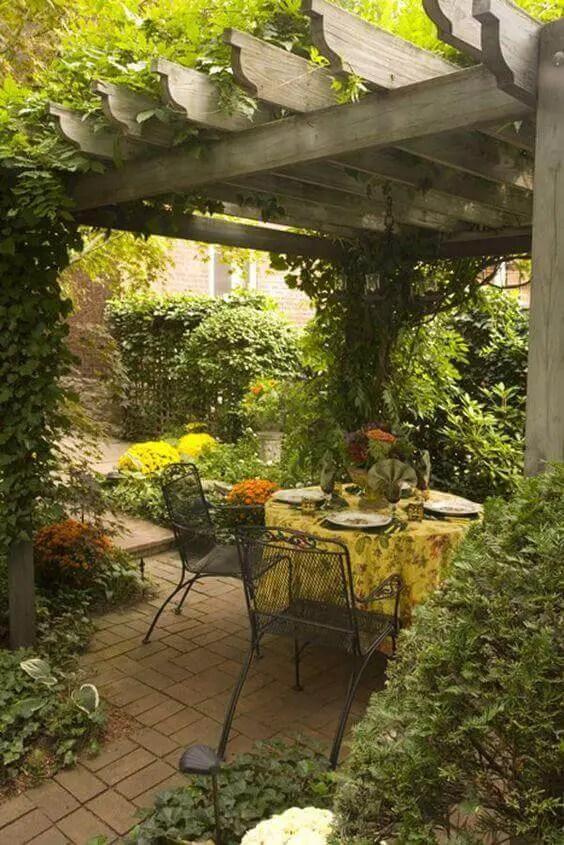31 Flower Worthy Covered Trellis Patio Designs