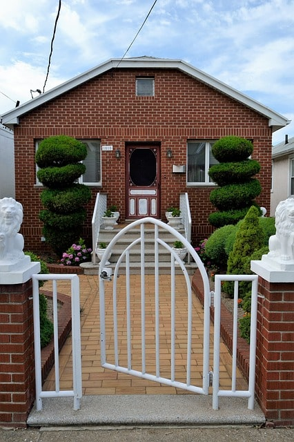 50 Amazing Garden Gates Ideas to Try Today {various materials and design} 13