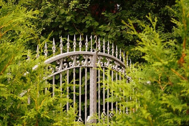 50 Amazing Garden Gates Ideas to Try Today {various materials and design} 11