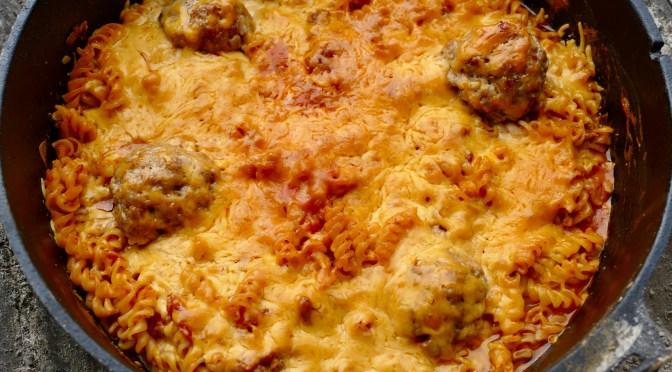 Überbackene Nudeln im Dutch Oven