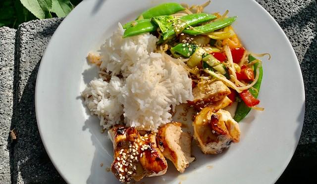 BBQ Hähnchen mit Wok-Gemüse