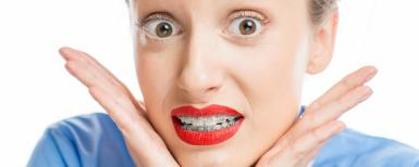 Woman-asking-why-do-braces-hurt_