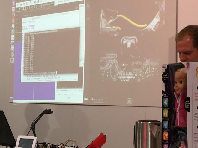 บูต Pen Test Partners โชว์เจาะระบบข้าวของเครื่องใช้ภายในบ้าน ทั้งกล้องวงจรปิด ตุ๊กตา เครื่องดูดฝุ่น กลอนประตู