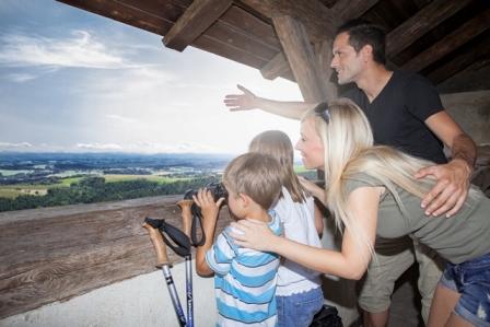Aussichtsturm Burg Bad Kreuzen
