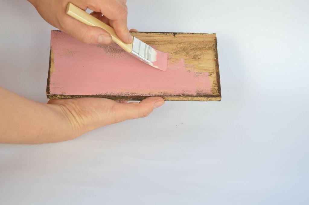 Pintando-madera-con-chalk-paint