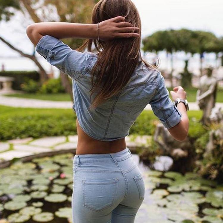 Badchix in Tight Jeans