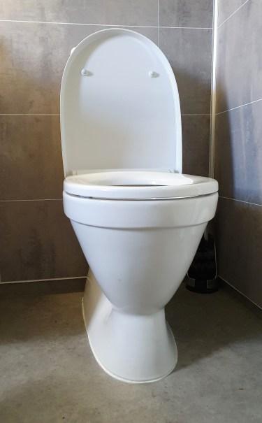 gulvstående toalett