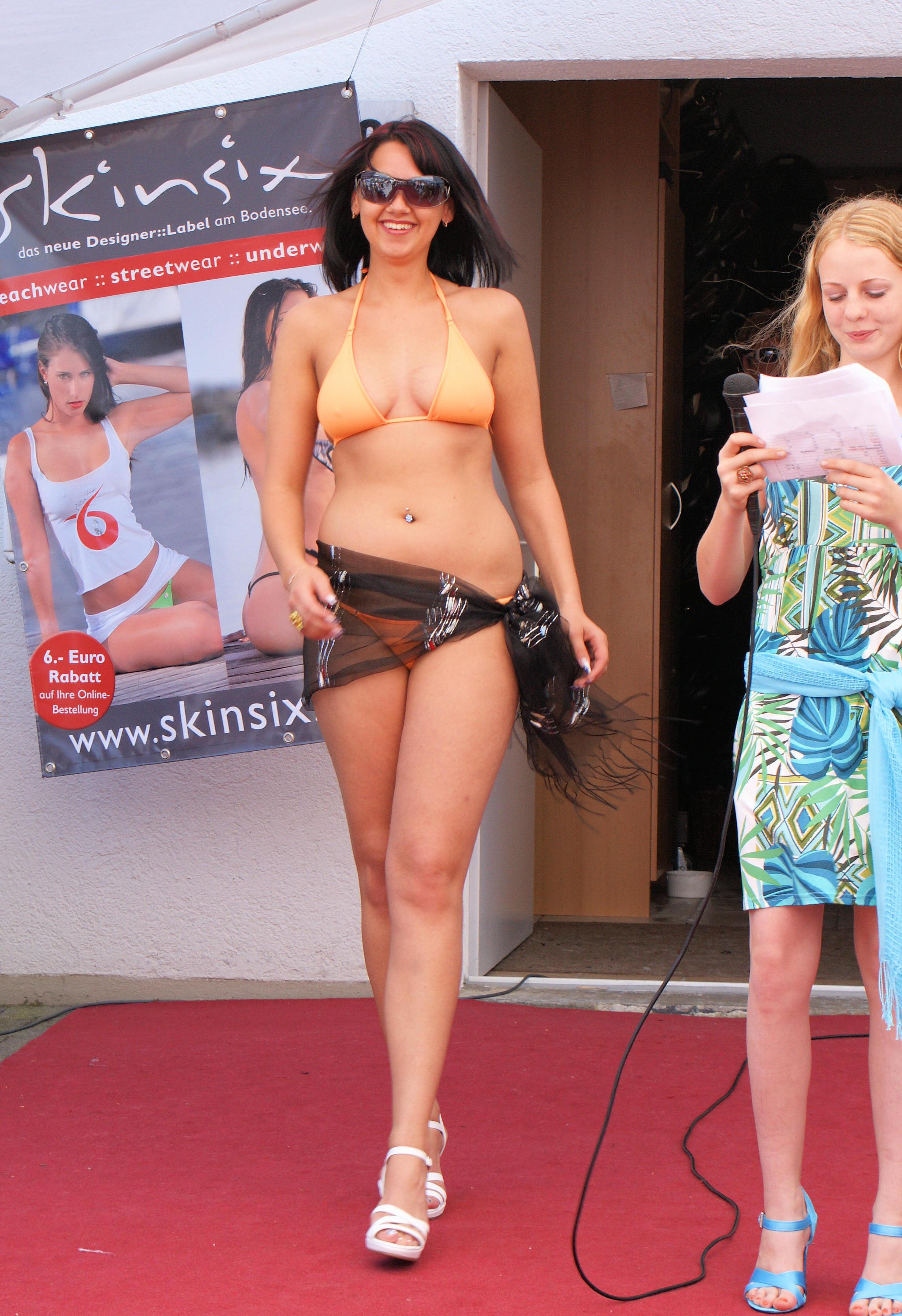 Daria im SKINSIX Bikini