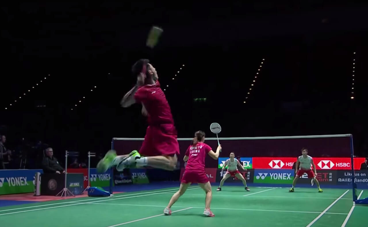 You are currently viewing What Type of Shots are in Badminton? (With 19 Examples)