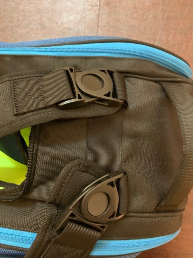 Yonex Pro Racquet Bag (9PCS) - Adjustable Buckles
