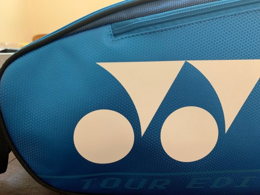 Yonex Pro Racquet Bag (9PCS) - Close Up