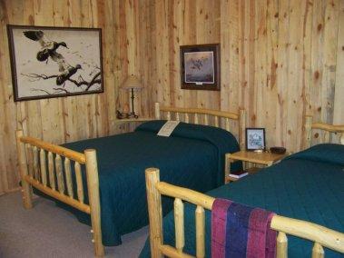 bedroom_2697675348_l