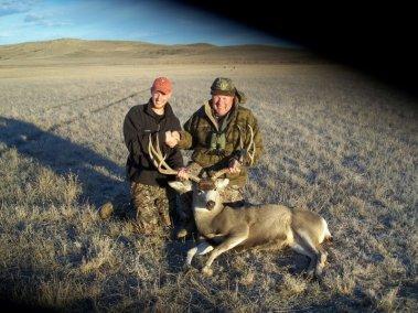 deer-hunting_2696848807_l
