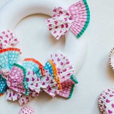 Bijna Pasen! Ook zin om je huis in de paasstemming te krijgen?! Ga dan ook zelf knutselen voor Pasen! Ik geef je 10 ideetjes voor super lieve, leuke en mooie knutseltjes voor Pasen.