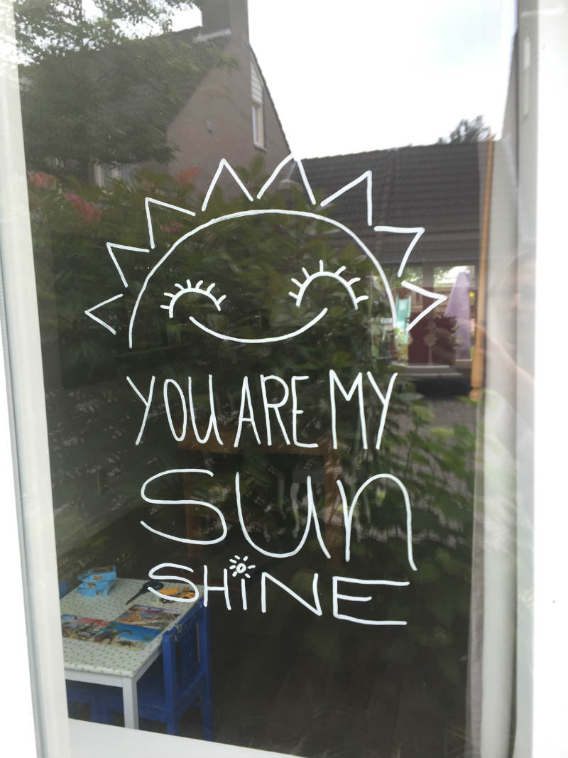 krijtstifttekening zon - you are my sunshine_00