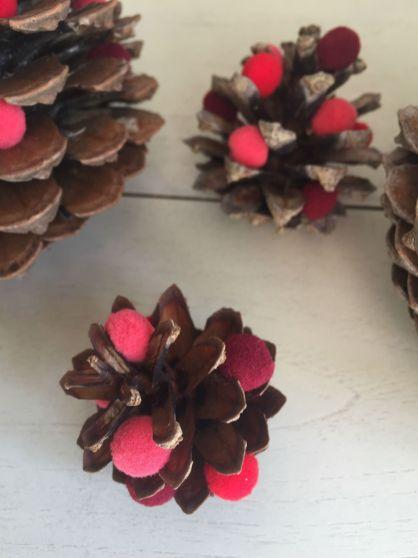 dennenappels decoratie, dennenappels versieren, herfst decoratie tips