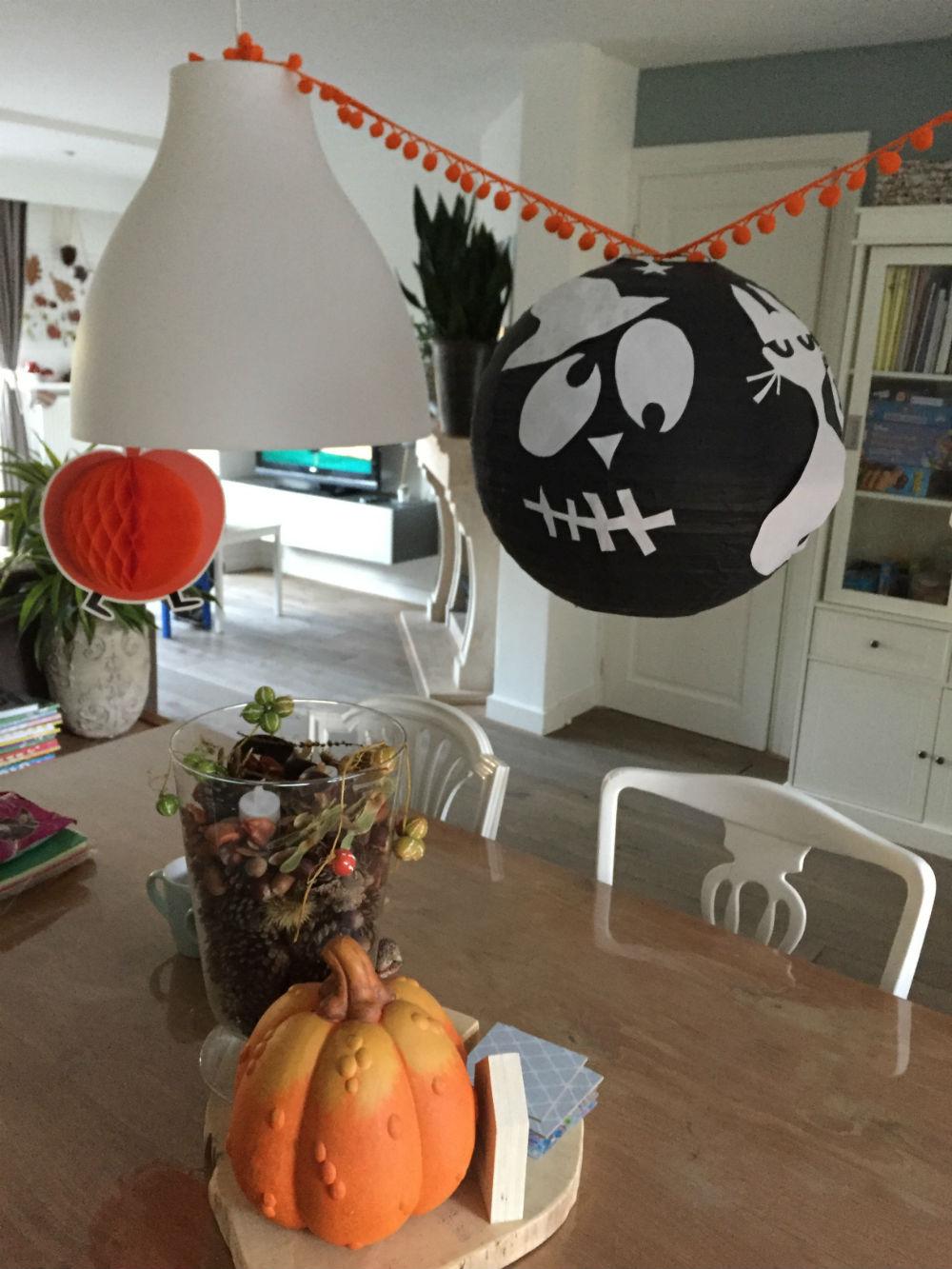 Versier je eigen halloween lampion knutselen voor halloween for Halloween versiering maken