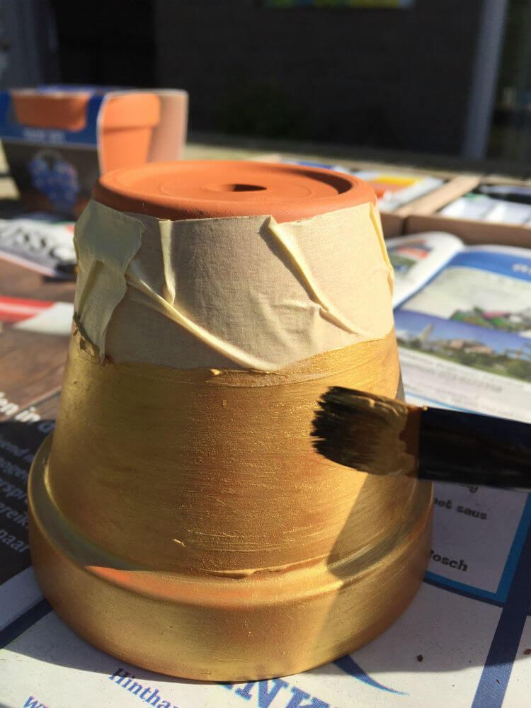 Terracotta bloempotjes verven - pimp je bloempot DIY_07