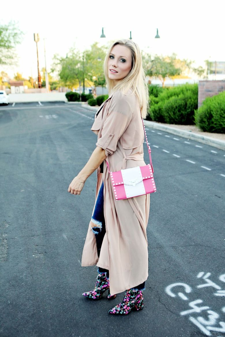 pink duster and jeans outfit