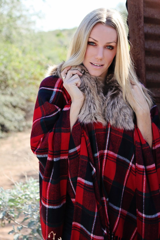 faux fur collar red plaid shawl