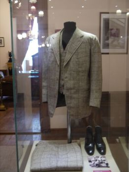 Atatürk loved being well dressed and always shaved, if necessary twice a day