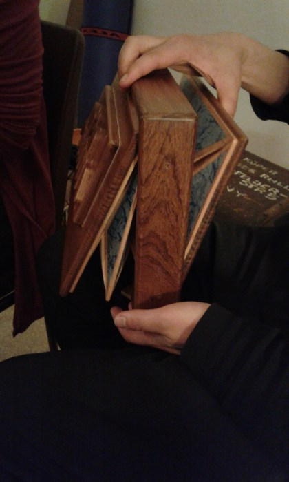 Hamburg Sacred Harp singing after party: the shruti box! Suitable even for untalented musicians