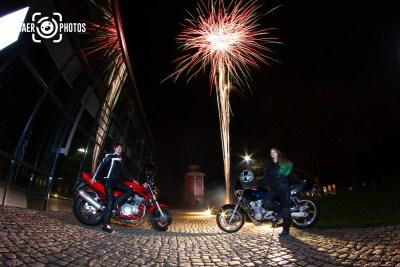 Shooting-Baer.Photos-Fotograf-Holger-Bär-Bikergirls-bergischland-Kalender-Feuerwerk-Motorrad-Elisenturm-Hardt-Wuppertal