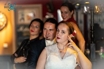 Hochzeit-Paar-Braut-Bräutigam-Trauzeugen-Bar-Baer.Photos-Fotograf-Holger-Bär