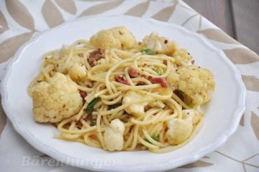 Pasta mit Karfiol und Speck