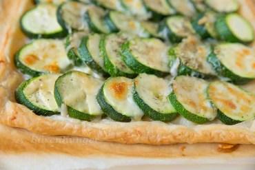 Zucchini Blätterteig Tarte