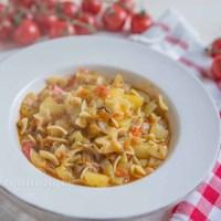Italienische Kartoffel Nudel Suppe