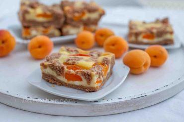 Marillen Cheesecake mit Schoko Streusel