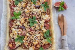 Feigen Tarte mit Ziegenkäse und Pinienkernen