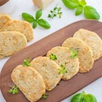 Knusprige Parmesan Kräuter Cracker