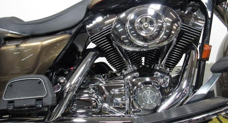 2005-Harley-davidson-Road-King-FLHRCi-U4342-engine