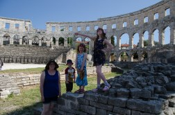 Mommy and the Baguettes, in Pula