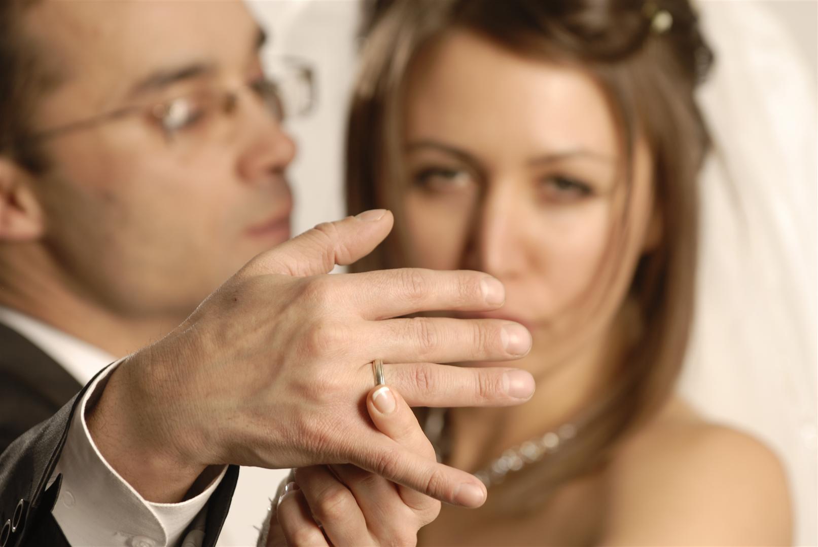 Почему нельзя встречаться с женатым мужчиной: последствия таких отношений. Плюсы и минусы