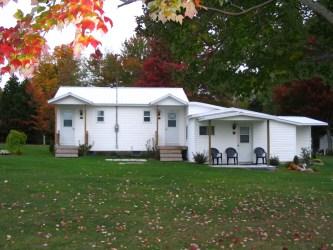 Cottage Complex/ Complexe Chalet