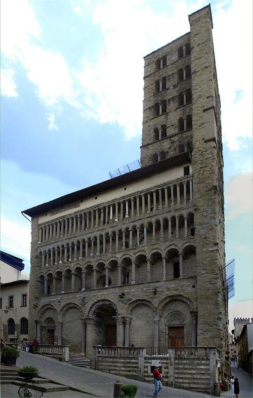Google image of Santa Maria della Pieve Arezzo