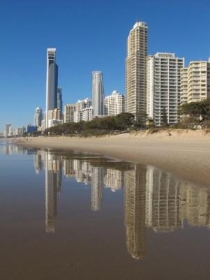 Main Beach Nolfolk Apartments