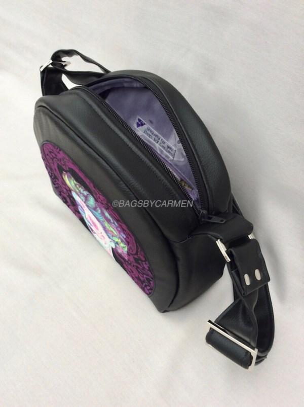 Bowler Style Shoulder Bag_side