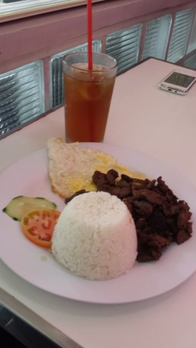 glenns 5os diner baguio beef tapa with egg