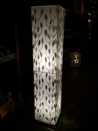 布製に本物の貝をデザインしたランプ♪高さ100cm