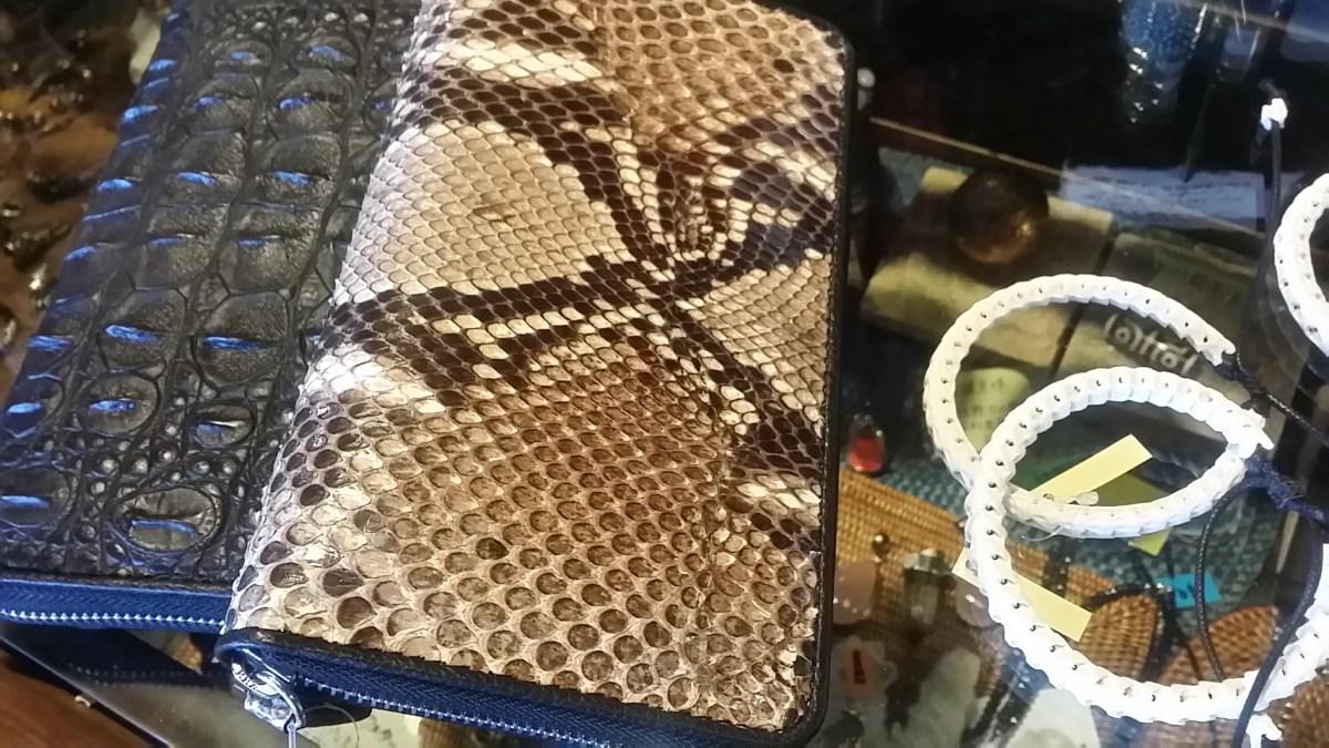 タイからの新商品 本革財布