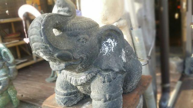 コンクリ 鼻上げ象