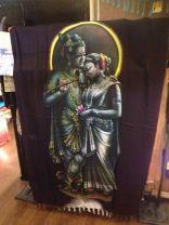 クリシュナ(ヒンドゥ教三大神の一人、ヴィシュヌの第8の化身と言われています。16000人も妃がいたそうな。。。一夫多妻にもほどがある。。。)