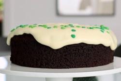 Guinnesskage med hvid chokoladecreme Bagvrk.dk