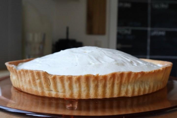 Vanilleflødecreme på en jordbærtærte Bagvrk.dk