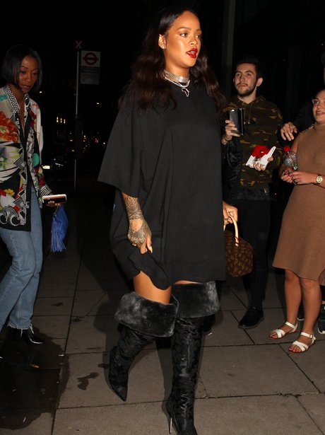 rihanna-stuns-in-over-the-knee-boots-1466757302-view-1